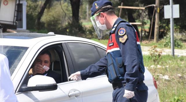 Antalyada 197 kişiye 196 bin lira ceza