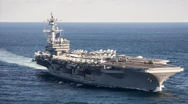 COVID-19, 3 ABD savaş gemisinde yayıldı