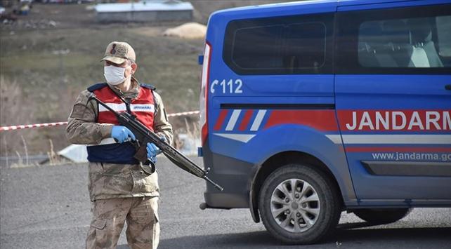 Vanda 450 kişinin yaşadığı mahalle karantinaya alındı