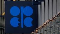 OPEC petrol üretimini azaltma kararı aldı
