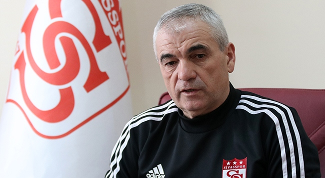 Sivasspor Rıza Çalımbay ile devam etme kararı aldı