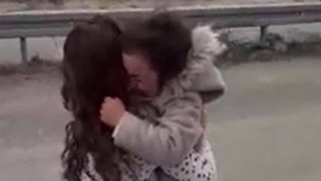 6 yaşındaki Öykü ile annesinin duygu dolu buluşması