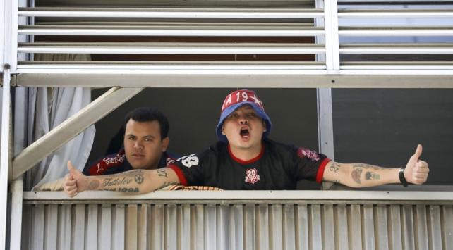 Maç izlemeye gittikleri Arjantinde mahsur kaldılar