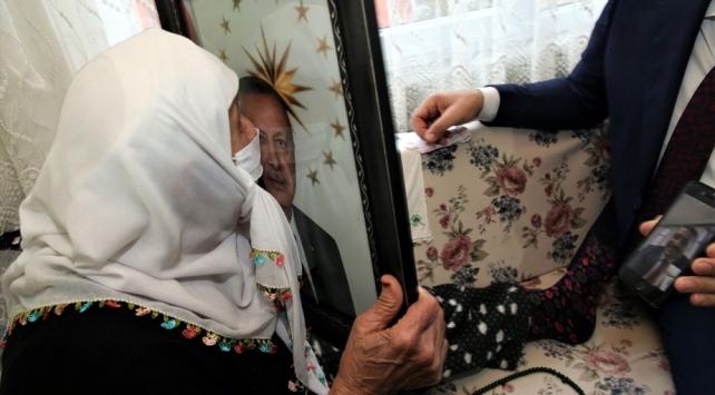 93 yaşındaki Aliye Saraçın Cumhurbaşkanı sevgisi