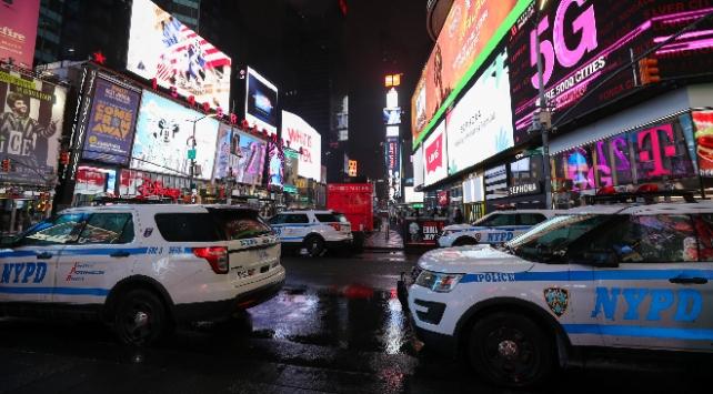New Yorkta koronavirüs kısıtlamaları uzatıldı
