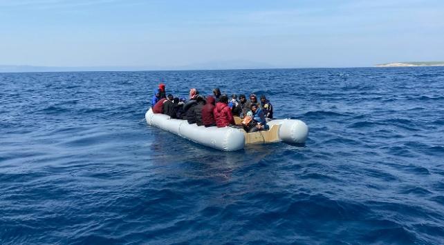 Yunanistanın Türkiyeye ittiği sığınmacılar kurtarıldı