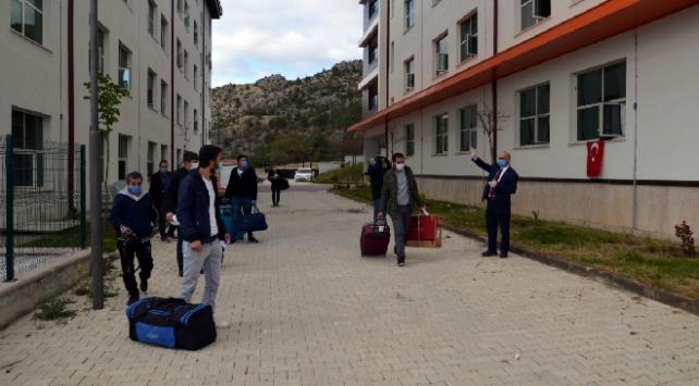 Amasyada karantinadaki 229 kişi memleketlerine gönderildi