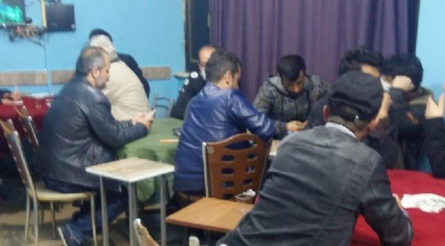 Konyada kahvehanede oyun oynayanlara para cezası