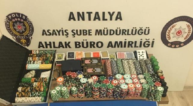 Antalyada kumar oynayanlara 382 bin 536 lira ceza kesildi