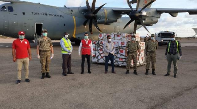Türkiyeden gönderilen tıbbi malzemeler Somaliye ulaştı