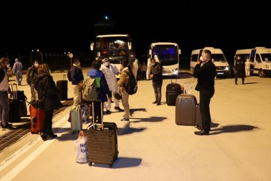 İngiltereden getirilen 167 Türk vatandaşı yurda yerleştirildi