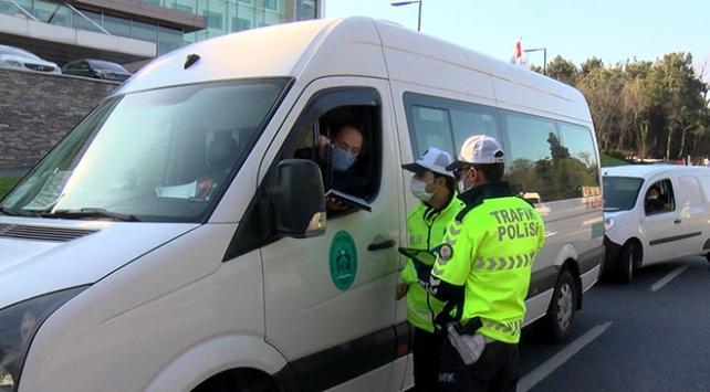 İstanbul Sarıyerde polisten trafik denetimi