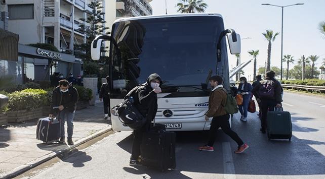 Yunanistanda karantinaya alınan gemideki Türk yolcular Türkiyeye getiriliyor