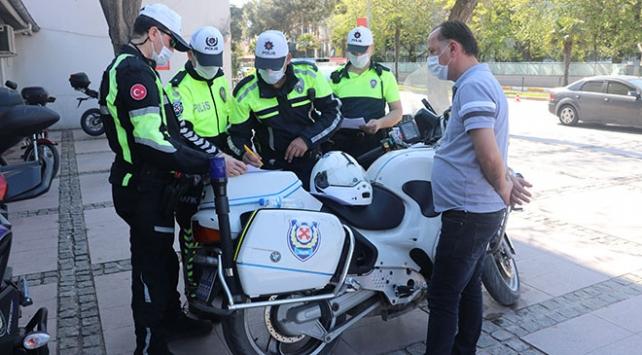 Minibüsünde fazla yolcu taşıyan şoföre 3 bin 180 lira ceza