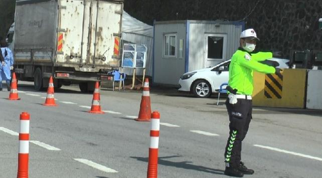 Trabzon girişinde ekipler denetimleri sıklaştırdı