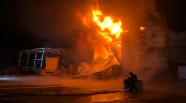 Trabzonda fabrika yangını