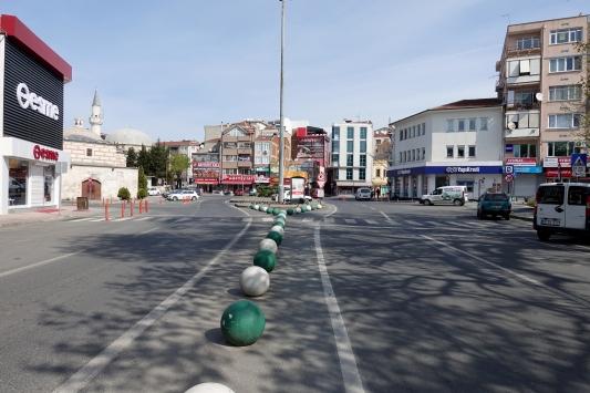 Trakyada cadde ve sokaklar boş kaldı