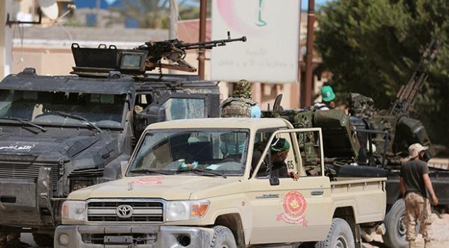 """Libyadaki hükümet güçlerinden, havadan """"Milislerden uzak durun"""" bildirisi"""