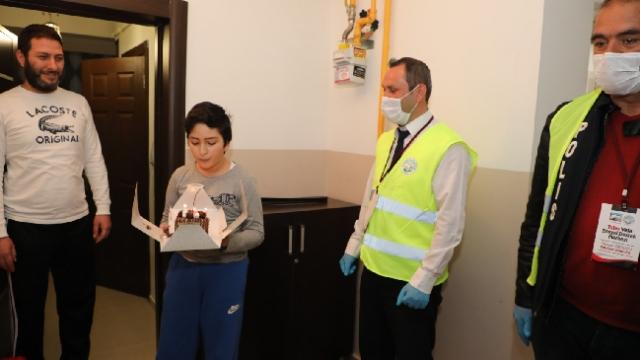 Vefa ekiplerinden sağlık çalışanının oğluna doğum günü sürprizi