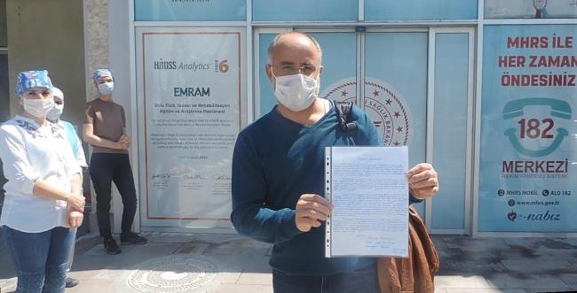 Koronavirüsü yenen sağlık çalışanı taburcu edildi