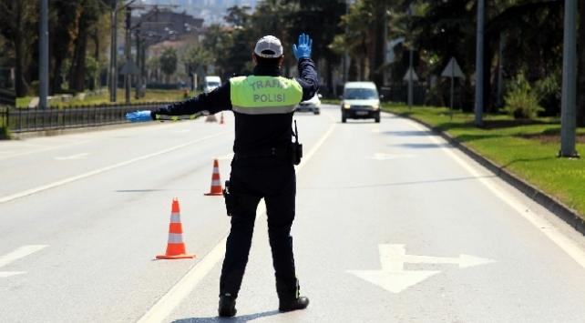 Antalyada sokağa çıkma kısıtlamasını ihlal eden 951 kişiye ceza
