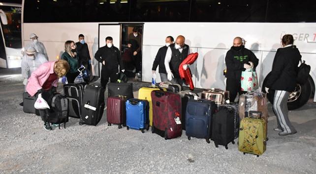 İngiltereden getirilen 333 kişi, Kırıkkaledeki yurda yerleştirildi