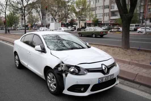 Kayseride otomobilin çarptığı 25 yaşındaki kadın öldü