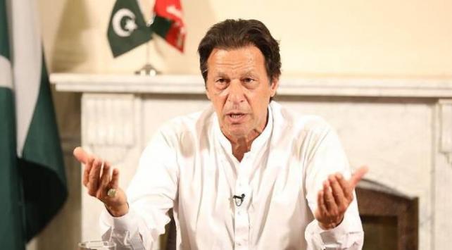 Pakistan Başbakanıyla bir araya gelen vakıf başkanında COVID-19 tespit edildi