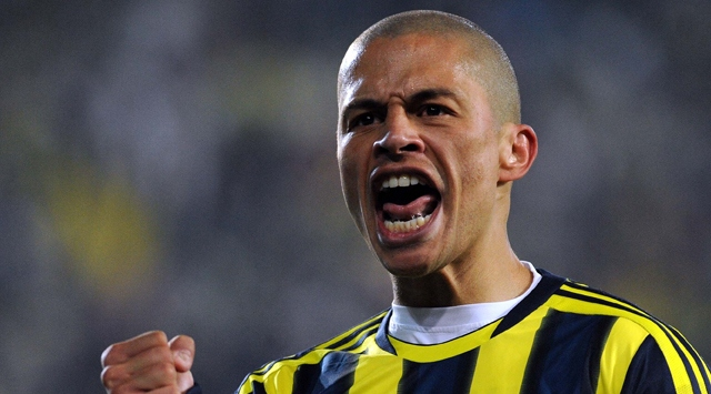 Fenerbahçeden Alex cevabı