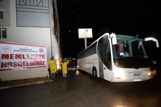 Çekyadan getirilen 107 Türk vatandaşı Karabükte yurda yerleştirildi