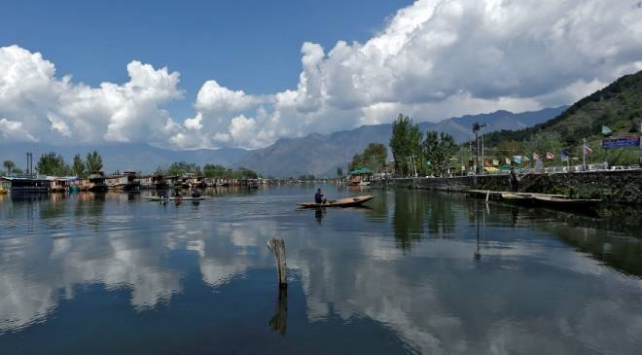 Hindistanda hava ve nehirler temizleniyor