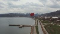 Bitlis'te 150 metrekarelik Türk bayrağı göndere çekilecek