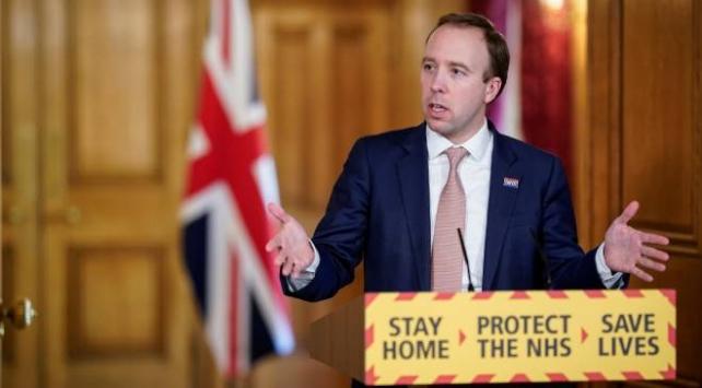 İngiltere Sağlık Bakanı: Salgın zirveye ulaştı