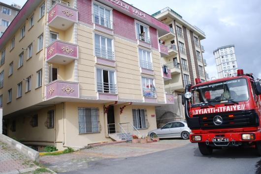 Ataşehirdeki yangında dumandan etkilenen bir kişi hastaneye kaldırıldı