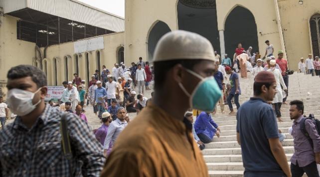 Bangladeşte sokağa çıkma yasağı uzatıldı