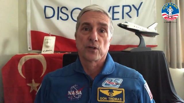 Emekli astronot Don Thomas'tan, 23 Nisan mesajı