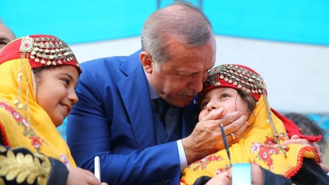 Cumhurbaşkanı Erdoğan'dan 23 Nisan paylaşımı
