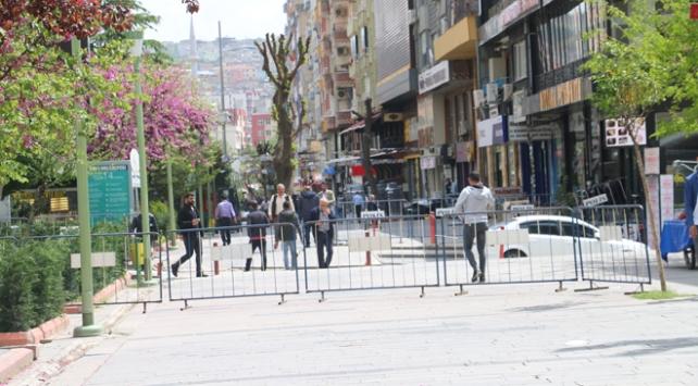 Siirtte bazı caddeler yaya girişine kapatıldı