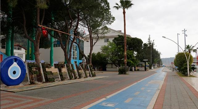 Antalya ve Muğlanın turistik bölgeleri en sakin günlerini yaşıyor