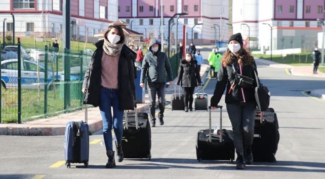 Yurtlarda karantinaya alınan 32 bin 763 kişi tahliye edildi