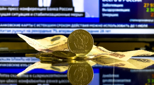 Rus ekonomisinin ikinci çeyrekte yüzde 8 küçüleceği tahmin ediliyor