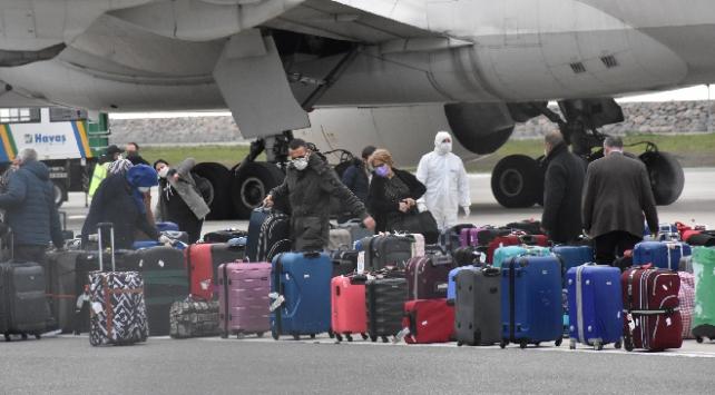 312 kişi Hollandadan Türkiyeye getirildi