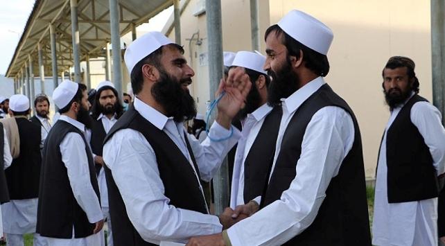 Afganistanda 250 Taliban üyesi daha serbest bırakıldı