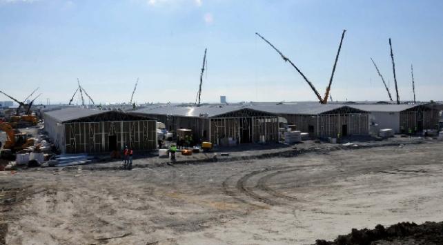 Atatürk Havalimanındaki hastane inşaatında çatılar kuruluyor