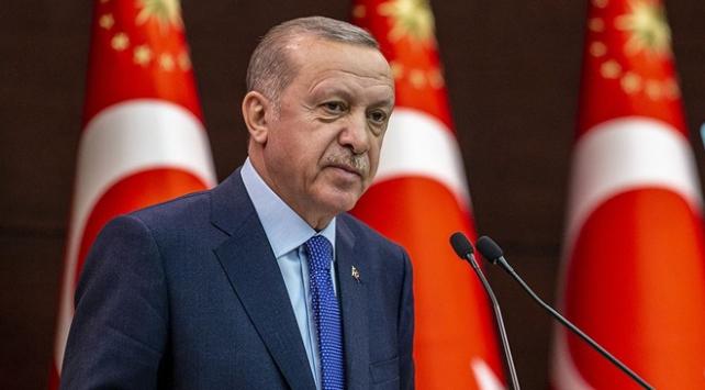 Cumhurbaşkanı Erdoğandan şiir paylaşımı