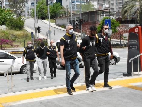 Antalyada yarış motosikletleri çaldığı öne sürülen 3 şüpheli yakalandı