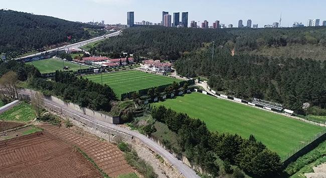 Futbol tesisleri sahiplerini bekliyor