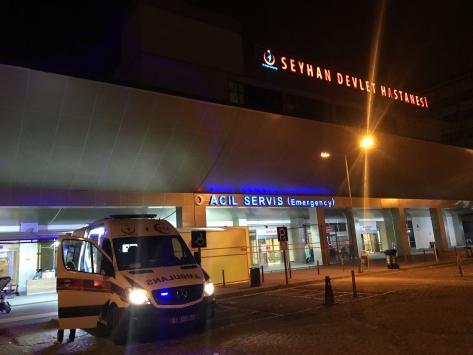 Adanada hırsızla kavgaya girişen kişi bıçaklandı