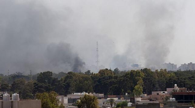 Libyada hükümet güçlerinden Vatiyye Hava Üssüne hava saldırısı