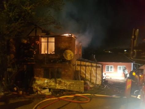 Sakaryada yangın çıkan evde 9 yaşındaki çocuk öldü